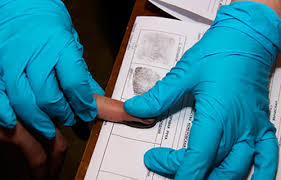 Больных СПИДом хотят заставить сдавать отпечатки пальцев