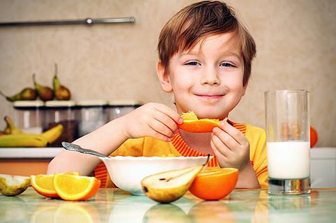 Как научить вашего малыша правильно питаться