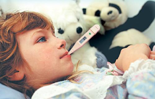 Как правильно сбить температуру у ребенка?
