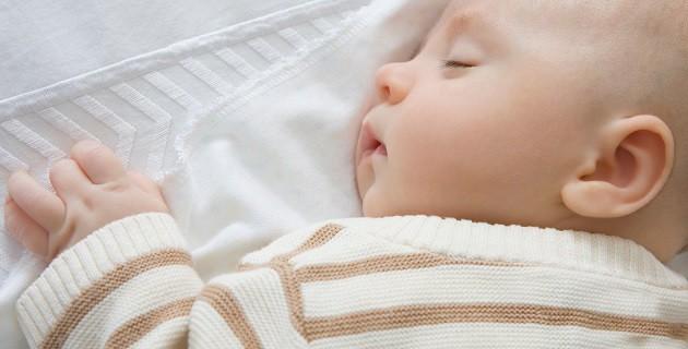 У малыша болит животик: как определить опасную инфекцию