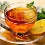 Медики рассказали, чем опасен чай с лимоном при гриппе