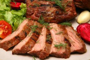 Мясо и сыр ломают иммунитет человека