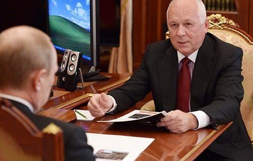 «Ростех» попросил у Путина монополию на лекарства от ВИЧ и гепатита