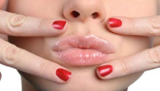 Как убрать высыпание герпеса на губах в домашних условиях