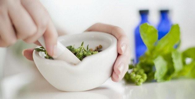 Народная медицина: лечим нарыв, ангину, насморк и изжогу
