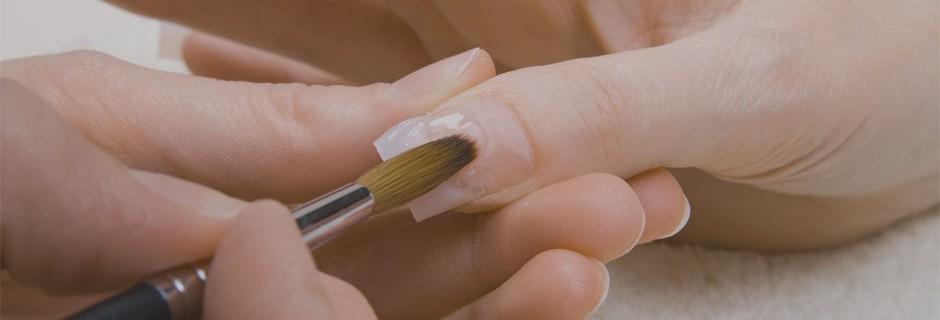 Гель или акрил. Чем нарастить ногти?