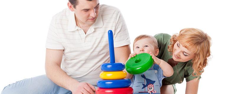 Суть детских развивающих центров, а также роль домашнего воспитания в жизни маленького человека
