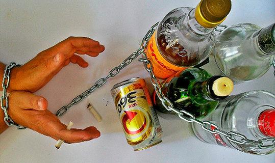Скорая помощь пострадавшему от алкоголя. Как победить зависимость?