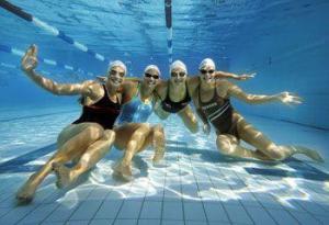 Купание в бассейне вредно для легких?