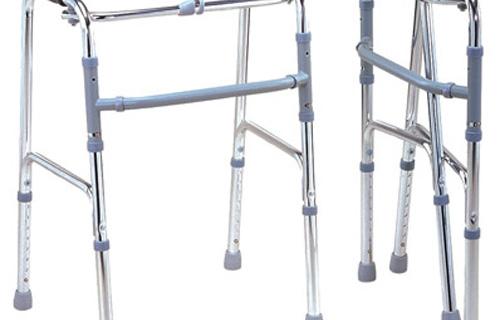 Ходунки для инвалидов обеспечат надежное передвижение