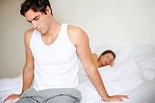 Откуда берется молочница у мужчин, как передается?