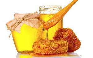 Мед побеждает бактерии, перед которыми лекарства бессильны