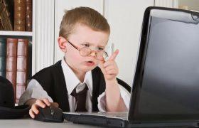 Увлеченность компьютером повышает у детей риск возникновения рахита