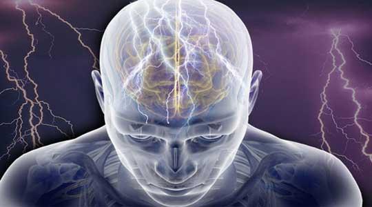Форма заболевания, при которой происходят мышечные сокращения асинхронного характера — юношеская миоклоническая эпилепсия