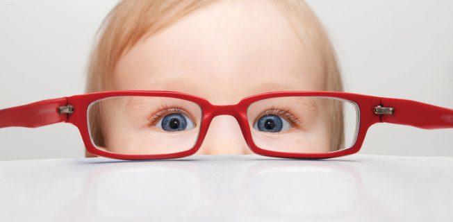 Важные симптомы нарушения зрения у детей, которые нельзя пропустить