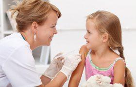 Оплату больничных привяжут к вакцинации детей
