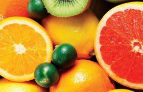 Диетолог: в квашеной капусте и сезонных ягодах содержится больше витамина С, чем в цитрусовых