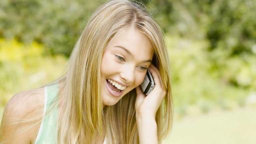 Бактерии на телефоне вызывают сыпь и прыщи на лице