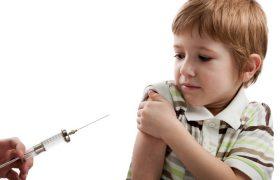 Ребенок боится доктора в больнице: почему и что делать?