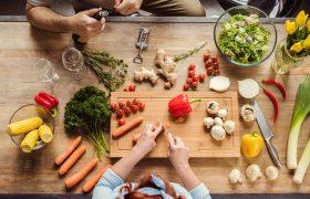 Названы продукты, которые мы едим неправильно