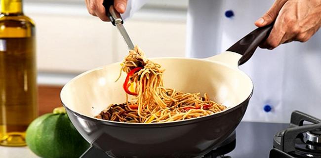 Ученые не рекомендуют использовать посуду с антипригарным покрытием