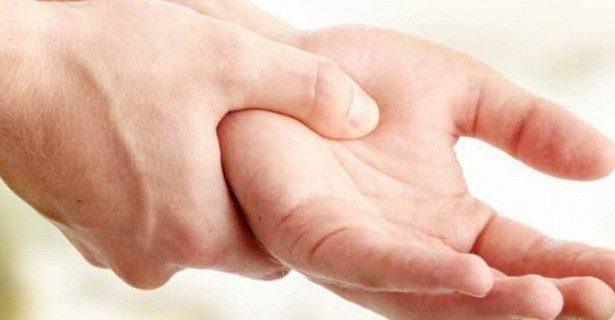 Витамин В1 помог вылечить эссенциальный тремор