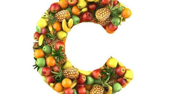 Врачи объяснили, почему важно употреблять достаточно витамина C