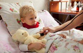 Медики рассказали, как не довести обычную простуду до пневмонии