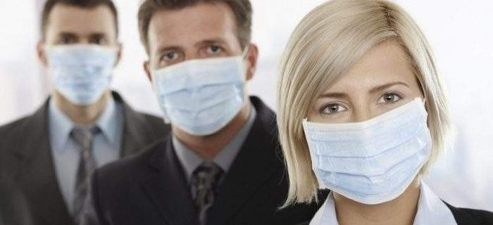 Медики объяснили, зачем нужна маска во время простуды