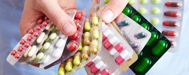 Медики подсказали, как правильно принимать лекарства разных форм выпуска