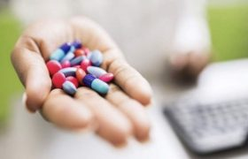 Исследование выявило наиболее вредные для желудка антибиотики – ципрофлоксацин и клиндамицин