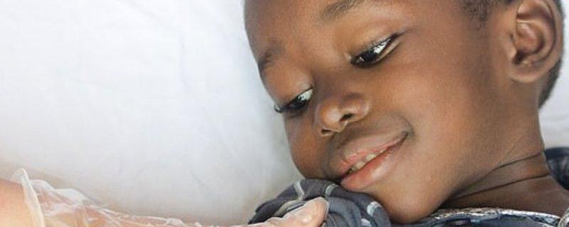 Сотни тысяч детей в Африке получат первую вакцину от малярии