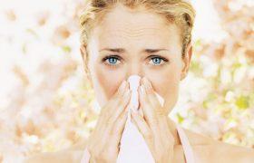 Врач подсказала, по каким признакам можно определить сезонную аллергию
