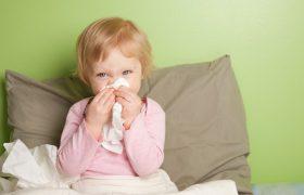Как облегчить страдания малыша при насморке: причины недуга и советы
