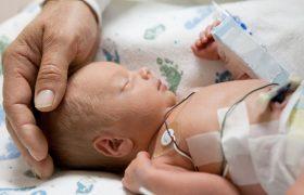 Антибиотики опасны для недоношенных детей
