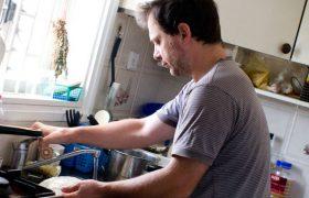 Самым грязным местом в квартире названа кухня