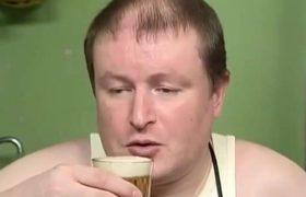 Помогает ли теплое пиво при простуде? А водка с перцем? Рассказывает терапевт