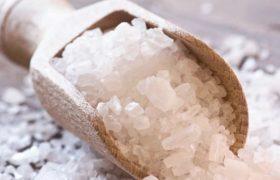 Медики рассказали, как спастись от простуды с помощью соли