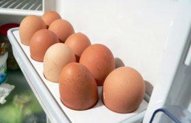 Нужно ли мыть куриные яйца перед едой? Врачи ответили