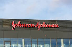 «Джонсон & Джонсон» запускает программу по подготовке комплексных мер в ответ на угрозу общественному здравоохранению, вызванную распространением коронавируса