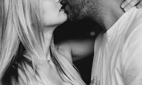 Врачи разоблачили миф о поцелуях при простуде