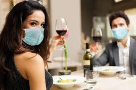 Насколько на самом деле велика опасность заразиться коронавирусом в ресторане?