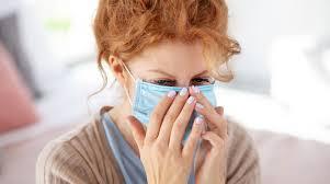 Ученые оценили риск заражения при кашле и разговоре
