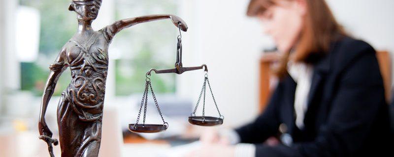 Услуги юристов с бесплатными консультациями