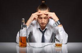 Можно ли бросать резко пить при выводе из запоя?
