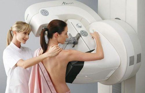 Чего женщине ожидать от первой маммограммы?