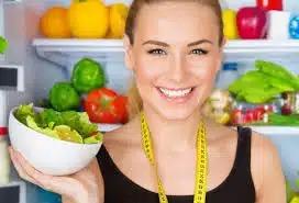 Диетологи неоднозначно смотрят на диеты со сниженной калорийностью
