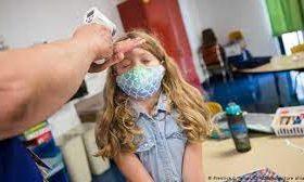 Лишь 4,4% детей испытывают симптомы COVID-19 дольше месяца — исследование