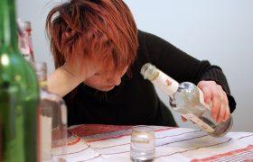 Признаки и лечение женского алкоголизма